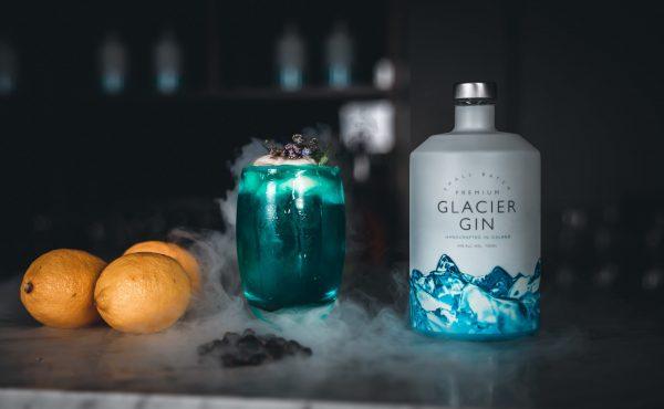 Captured at Garðabær on 09 Sep, 2020 by Thrainn Kolbeinsson. THRAINN KOLBEINSSON, ICELAND, Sjáland, Rúrik, Glacier Gin, Rurik, Glacier, Sjaland, alchohol, spirits, áfengi, afengi
